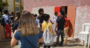 Vídeo: Manifestação de estudantes obriga Ministro da Educação a sair pelas portas do fundo em Conquista