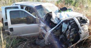 Motorista morre após colidir carro contra caminhão próximo a Cândido Sales