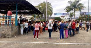 Itambé: Assembleia da APLB termina com professores na bronca com proposta do prefeito