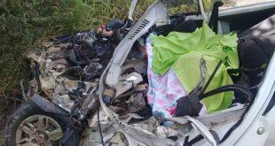 Bahia: Irmãos morrem ao ter carro atingido por caminhão na BR-101