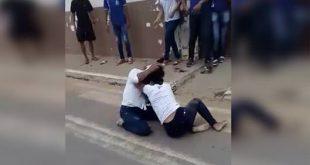 VÍDEO: Imagens de briga de supostas alunas de colégio em Belo Campo circulam no Whatsapp