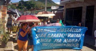 Caatiba: Professores entram em greve e luta por recurso dos precatórios do FUNDEF