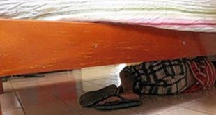 Morador é acordado pela PM e descobre menor do crime escondido debaixo de cama