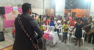 Show de Márcio Moreno em reinauguração de igreja é interrompido por tiroteio na Bahia