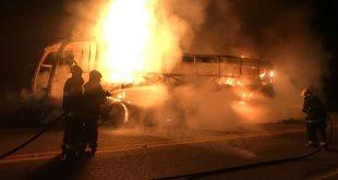 Ônibus que saiu de Jequié pega fogo em MG