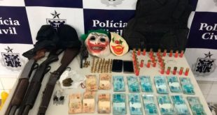 Polícia prende bandidos e recupera parte do dinheiro roubado do banco de Macarani