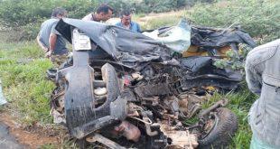 Colisão entre carro e Bitrem deixa uma pessoa morta no sudoeste da Bahia