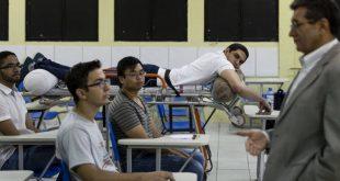 Com ferida e bala alojada, estudante de medicina do PI assiste a aulas de maca