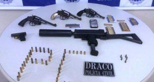 Polícia Civil prende dupla com submetralhadora e armas em Vitória da Conquista