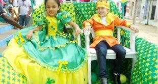 Escolas de Catolezinho promovem lindo desfile junino para os alunos