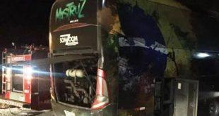Ônibus da banda Mastruz com Leite quase pega fogo a caminho de show na Bahia