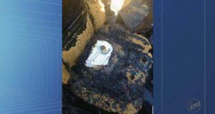 Milagre? Porta hóstia, terço e folheto de oração resistem a incêndio em carro em SP; Igreja católica investiga