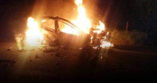 VÍDEO: Carro colide com caminhão tanque e duas pessoas morrem carbonizadas na BR-101