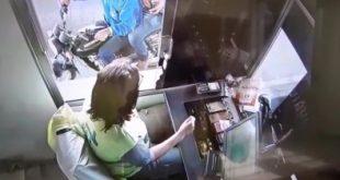 Motociclista invade cabine de pedágio para se salvar de carreta desgovernada. Veja vídeo