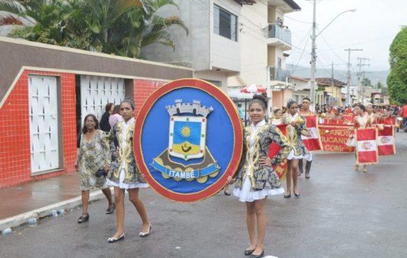 Mesmo com chuva, o desfile cívico do 7 de Setembro foi realizado com muito capricho em Itambé
